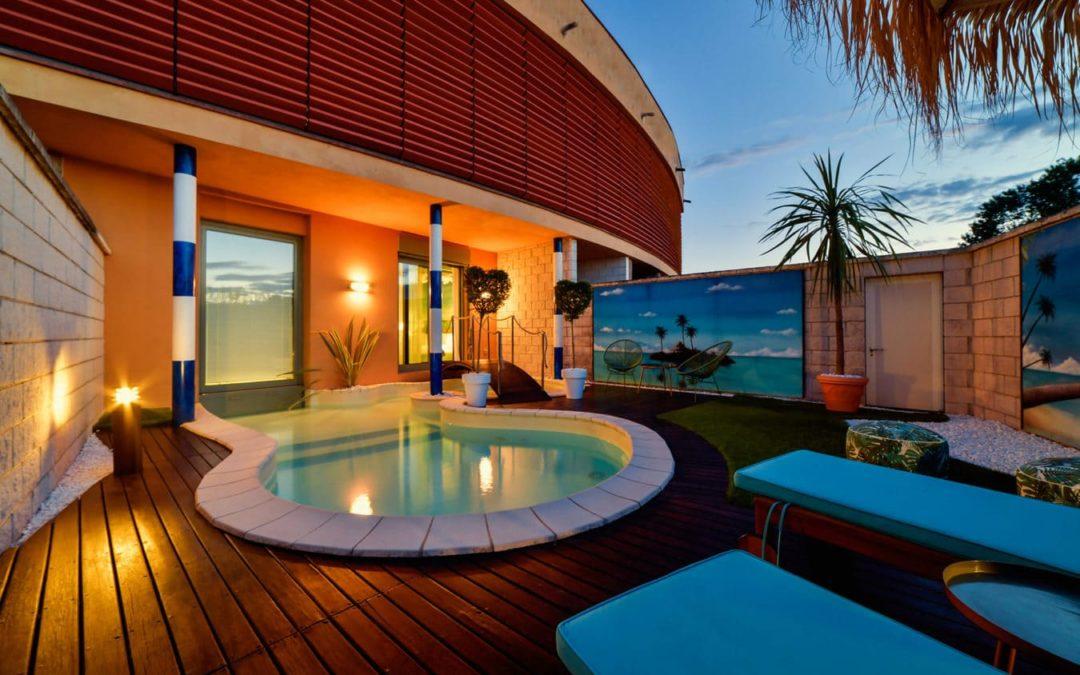 Speciale suite a tema con piscina riscaldata
